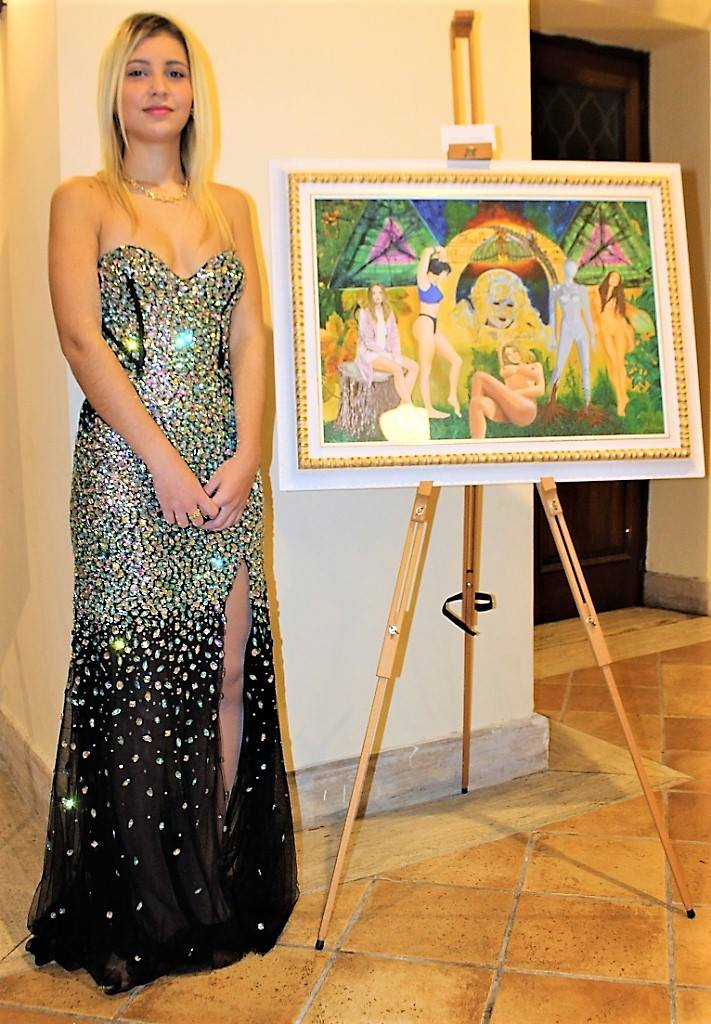 Opera di Adriana Mirando con una delle partecipanti Miss Storie di Donne